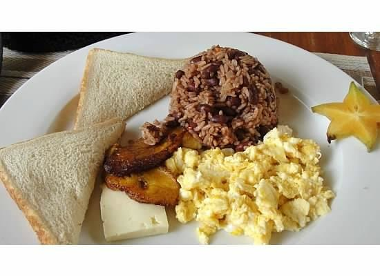 Hotel Coco Beach & Casino: Costa Rican breakfast