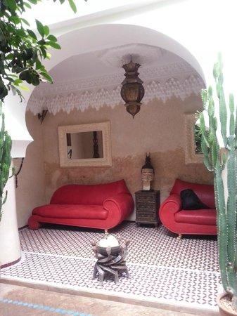 Riad Asrari: Salon