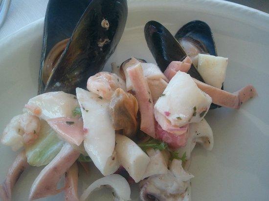 L'Ostrica: Ensalada frutti di mare