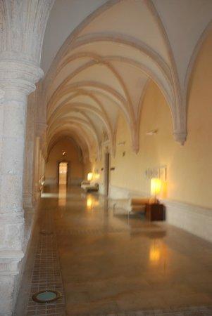 NH Collection Palacio de Burgos: El comedor se encuentra en el antiguo claustro.