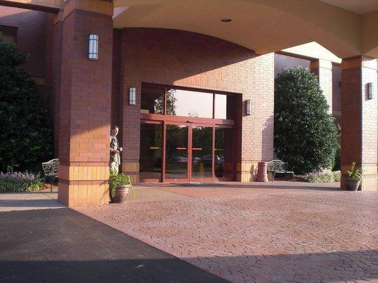 Embassy Suites by Hilton Lexington: 15
