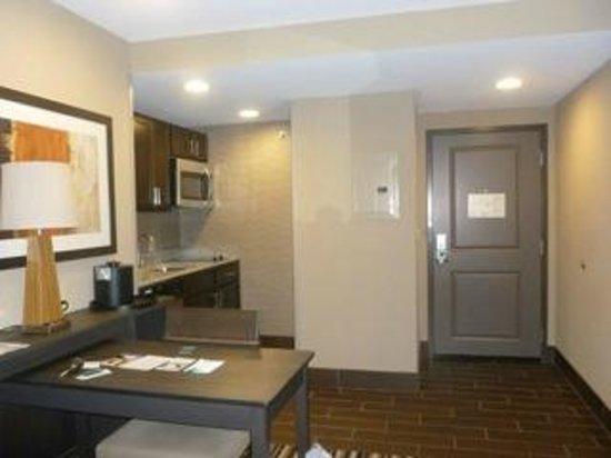 Homewood Suites by Hilton Columbus/OSU: Roomy