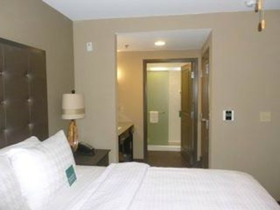 Homewood Suites by Hilton Columbus/OSU: Comfy bed