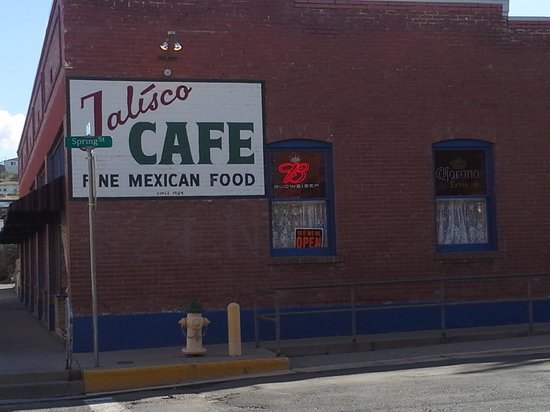 The Jalisco Cafe: Outside