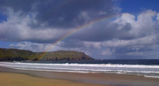 Carloway, UK: rainbow over Dalmore