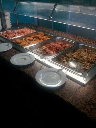 azuLine Hoteles Mar Amantis I & II: good selection of food
