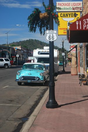 Travelodge Williams Grand Canyon: Route 66 qui traverse Williams