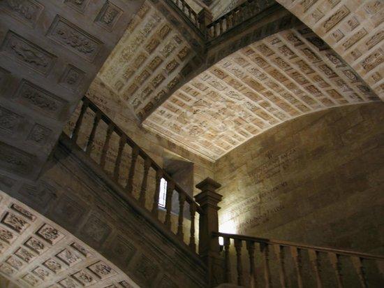 Hotel Puente Romano de Salamanca: Universidad Ponficia