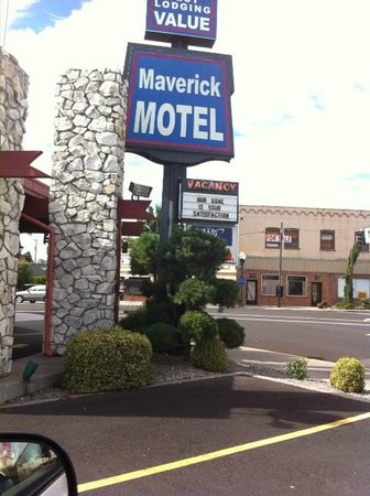 Maverick Motel: Zoom in on the letter board! Didn't apply this time...