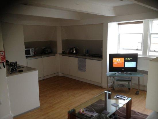 SACO Bath - St James Parade: living/kitchen