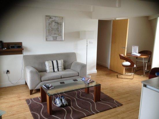 SACO Bath - St James Parade: Kitchen/livingroom