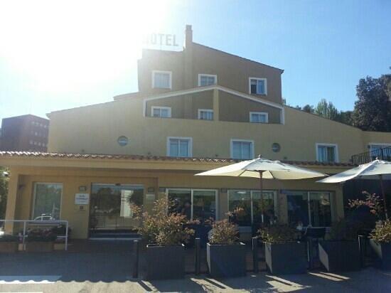 Hotel Costabella: sunny hotel Costa Bella