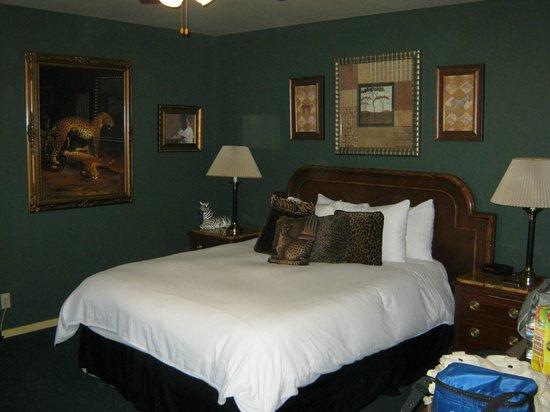 Yosemite Bug Rustic Mountain Resort : Bed