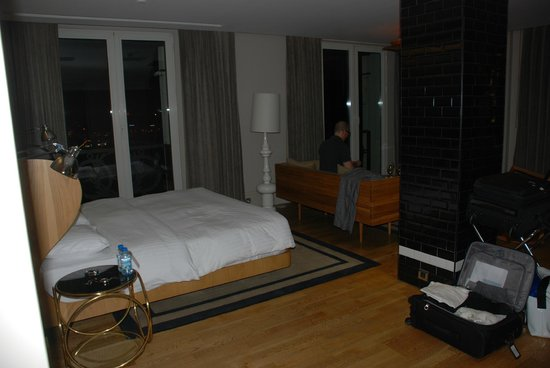 Witt Istanbul Suites : King Panoramic - Night Shot
