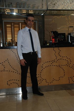 Witt Istanbul Suites : Reception and Staff