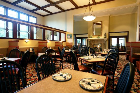 Four Points by Sheraton Portland East: Onsite Restaurant