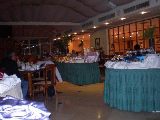 Four Points by Sheraton Santiago: Restaurante do Hotel