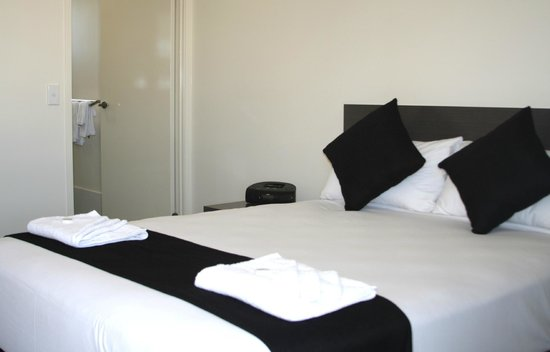 Dooleys Springsure Tavern and Motel: The motel has 68 executive rooms, with a mix of standard, twin share, family and disabled rooms