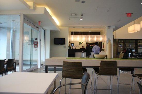 Element Lexington: Lobby/Reception