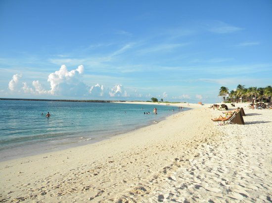 The Reef Atlantis, Autograph Collection: Lovely Paradise Island Beach