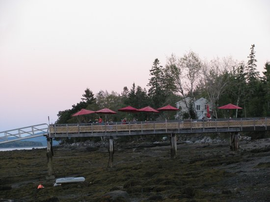 Perry Long's Lobster Shack: Outdoor seating!