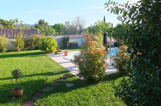 La Maison du Pianiste : Vista do quarto para a piscina