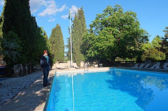 Le Mas d'Entremont: piscina