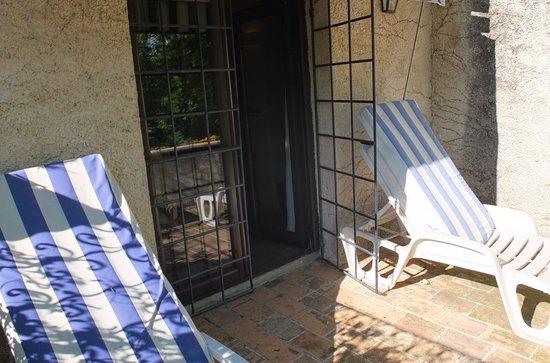 Le Mas d'Entremont : varanda do apartamento