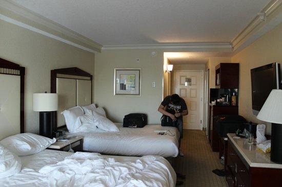 Radisson Hotel Orlando - Lake Buena Vista: Quartos amplos, mas antigos