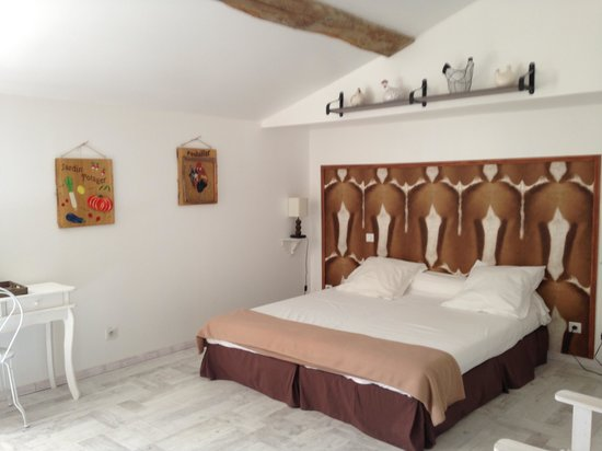L'Ilot-Vignes : Countryside bedroom