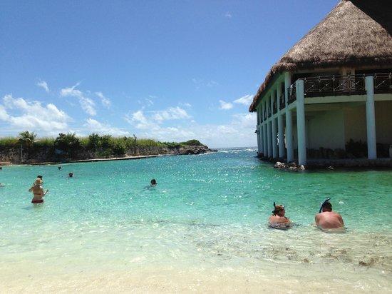 Occidental at Xcaret Destination: La playa practicamente privada