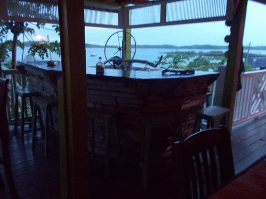 Front Porch: Bar