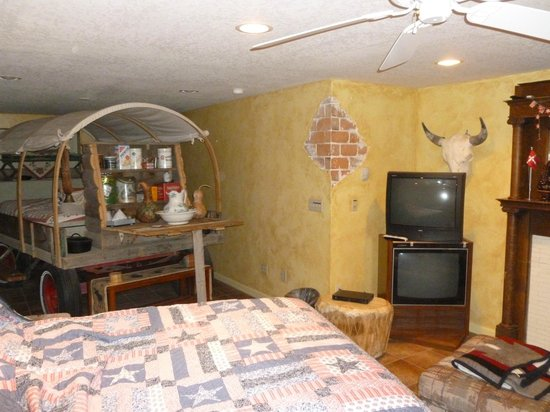 K3 Guest Ranch Bed & Breakfast: Well appointed