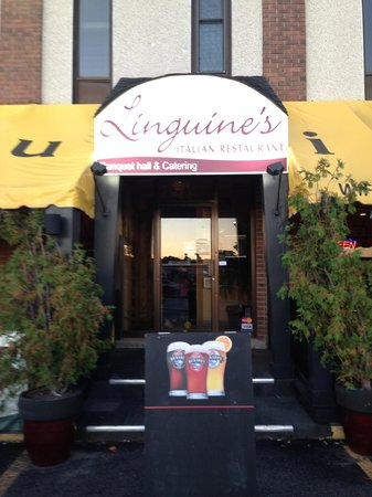 Linguine's Italian Restaurant: Front Sign