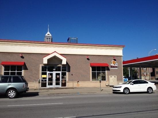 Maxine's Chicken & Waffles: Exterior