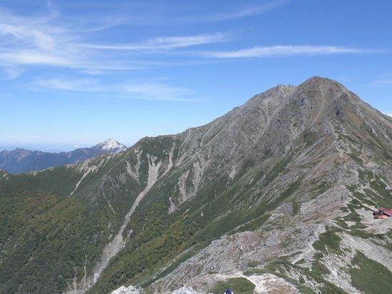 Mt. Kitadake: 間ノ岳への縦走路からの北岳