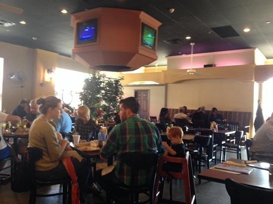 Maxine's Chicken & Waffles: Interior