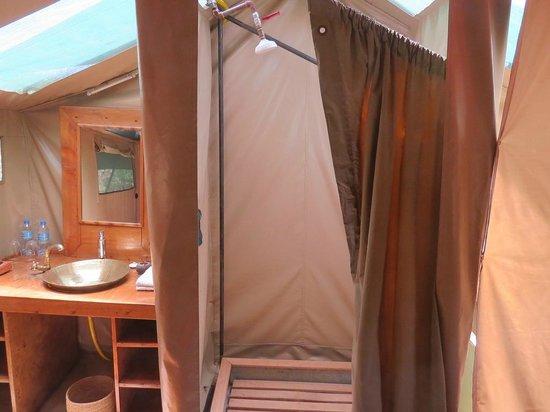 Lemala Manyara: Shower