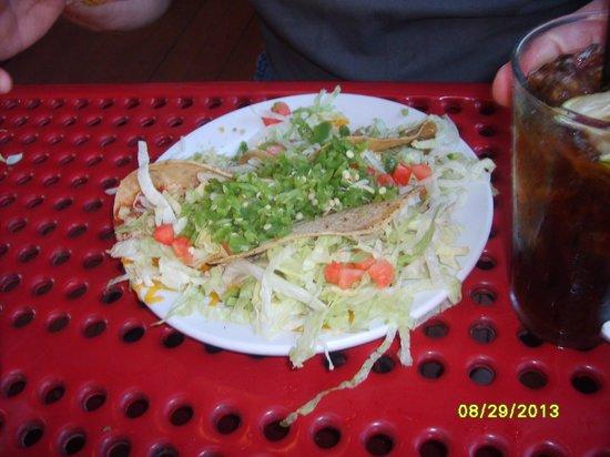 El Azteco: tacos