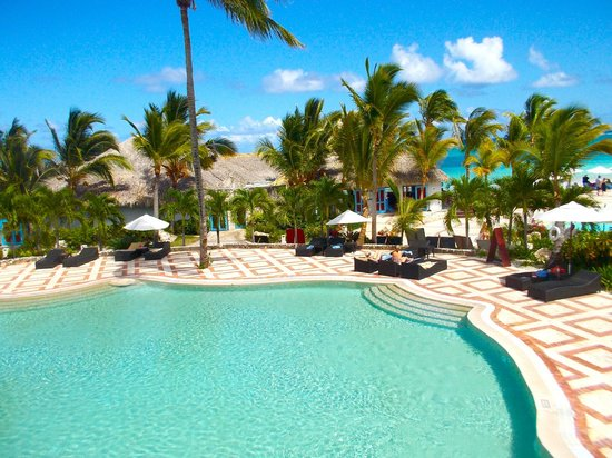 Sanctuary Cap Cana by AlSol : The view from the infinity pool