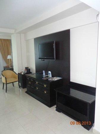 Hotel El Panama : TV