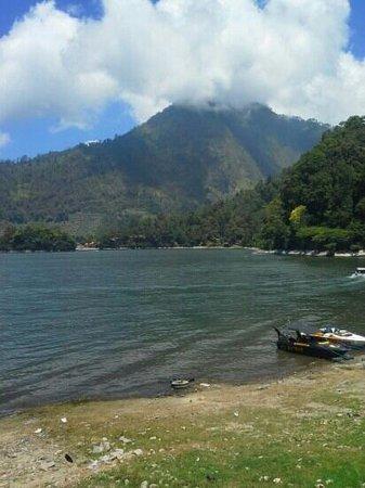 Sarangan Lake: telaga sarangan magetan