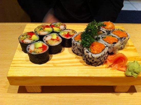 Mi-Ne Japanese Restaurant: spicy salmon
