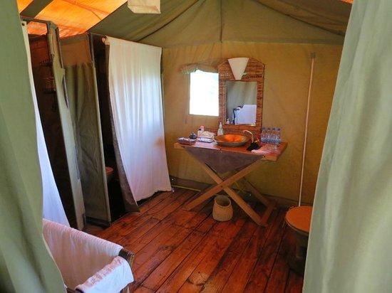 Lemala Mara Ndutu Tented Camp: Bathroom
