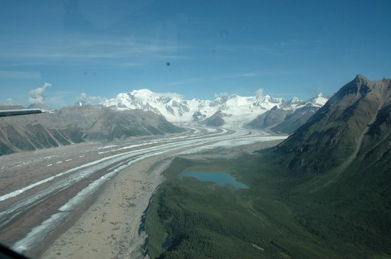 Wrangell Mountain Air - Day Trips : Glacier view from the plane