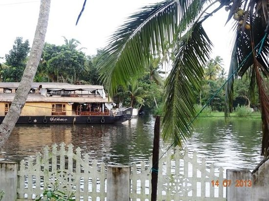 Sreevalsam Inn : View from Ethnic Hut