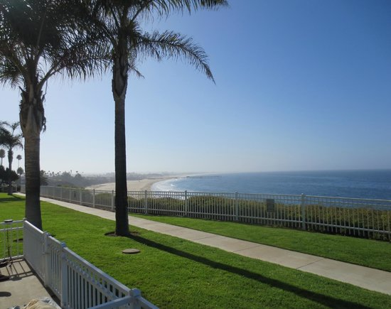 Pismo Lighthouse Suites : Southern view
