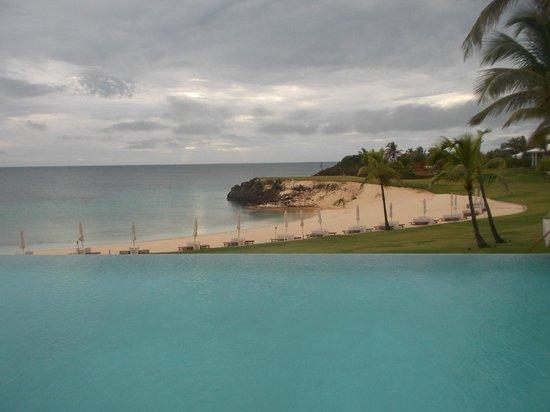 The Cove: infinity pool