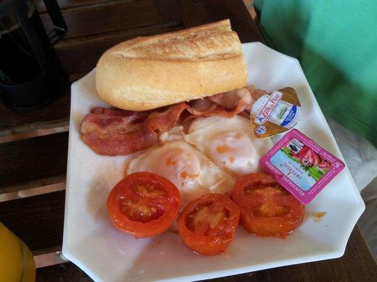 Kampot Riverside Hotel: colazione per affrontare la giornata