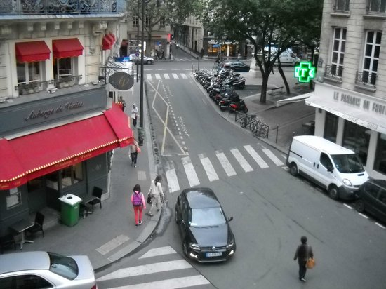 Hotel Bastille Speria : A view out of the window